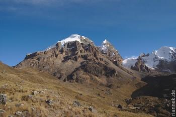 Im Süden tief erodierte erloschene Vulkane: Nevado Cuyoc