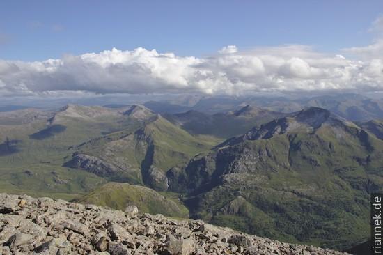 Blick vom Ben Nevis auf die Marmores