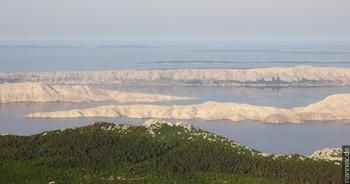 Blick vom Mittleren Velebit auf die Insel Pag