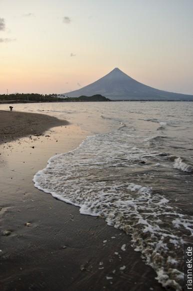 Mayon vom Legazpi Boulevard