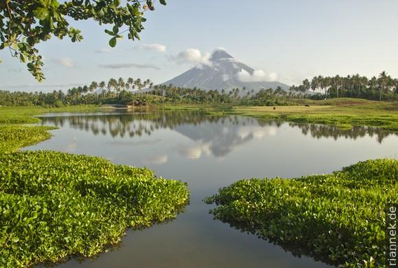 Gabawansee mit Mayon